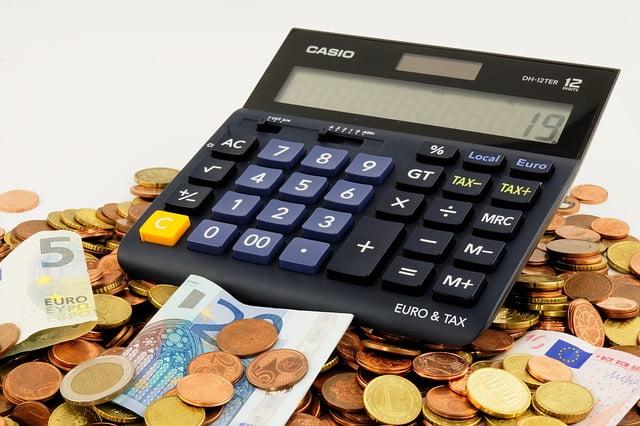パパ活で稼いだお金は確定申告し税金を納める必要がある?贈与税を納める必要は?