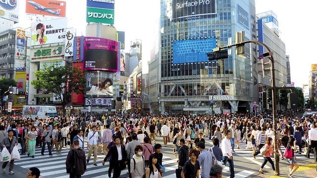 東京、渋谷の交差点、街