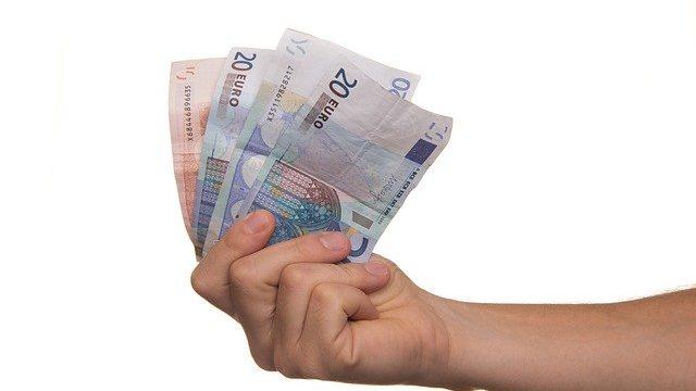 ひととき融資は違法で犯罪?即お金が必要ならパパ活がお勧めな理由