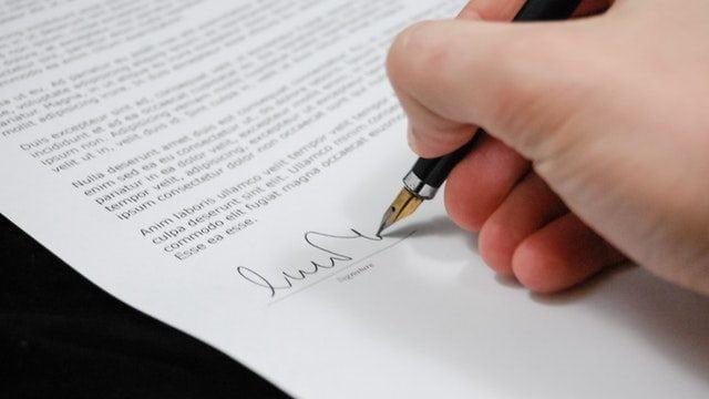 書類や契約書