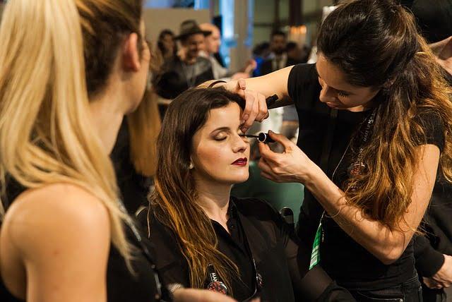 美容師の女性
